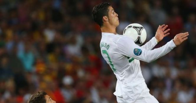 Cristiano Ronaldo i Jordi Alba (fot. Getty Images)
