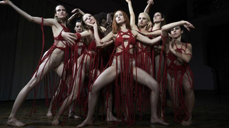 """""""Suspiria"""" – kultowy horror w wersji Guadagnino"""
