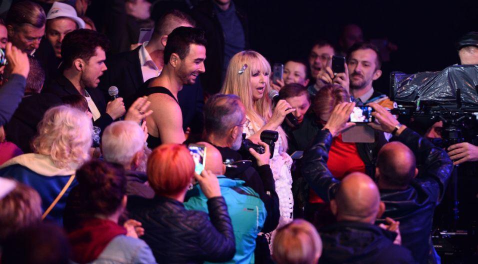 Maryla Rodowicz śpiewała dla widzów i razem z nimi (fot. TVP)