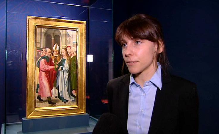 Agnieszka Patała; w tle kwatera ołtarzowa (fot. TVP3 Wrocław)