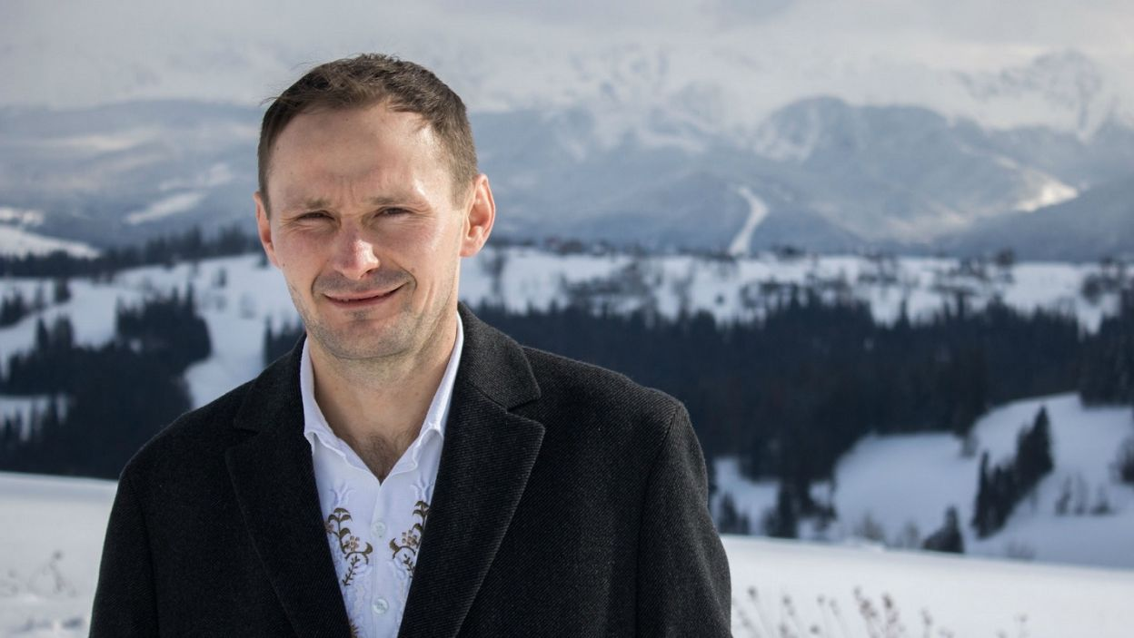 Uparty góral – tak można opisać Andrzeja. Meżczyzna konsekwentnie dąży do celu, ale to rodzina jest dla niego priorytetem (fot. TVP)