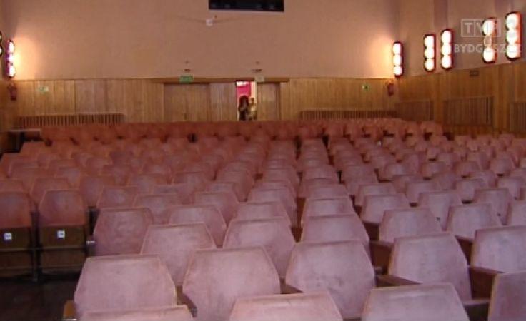 Centrum kultury odzyskuje blask, a stare fotele idą jak