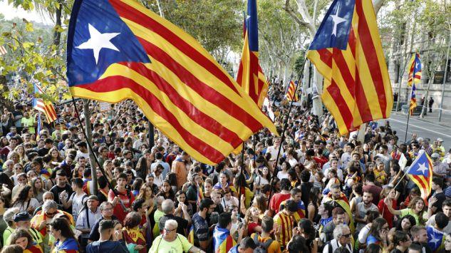 Znalezione obrazy dla zapytania protesty w katalonii foto