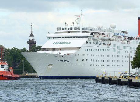 """""""Peace Boat"""" wpłynął do gdańskiego portu"""