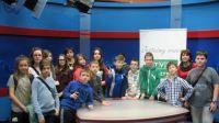 Nauczycielki i uczniowie Szkoły Podstawowej nr 25 w Olsztynie.