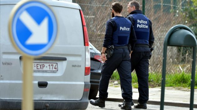 Belgijska policja zorganizowała akcję antyterrorystyczną  (fot. Dursun Aydemir/Anadolu Agency/Getty Images))