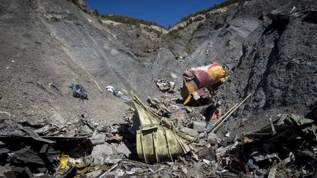 Minęły równo dwa lata od katastrofy airbusa A320 linii Germanwings (fot.PAP/YVES MALENFER/DICOM/MINISTERE INTERIEUR/HO)