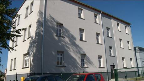 Pierwsi lokatorzy odebrali klucze do mieszkań socjalnych