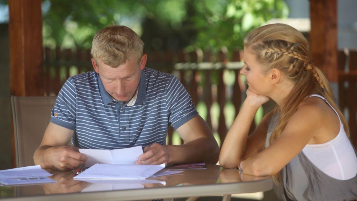 To jej czytają listy, które przysyłają kandydatki i... (fot. TVP)