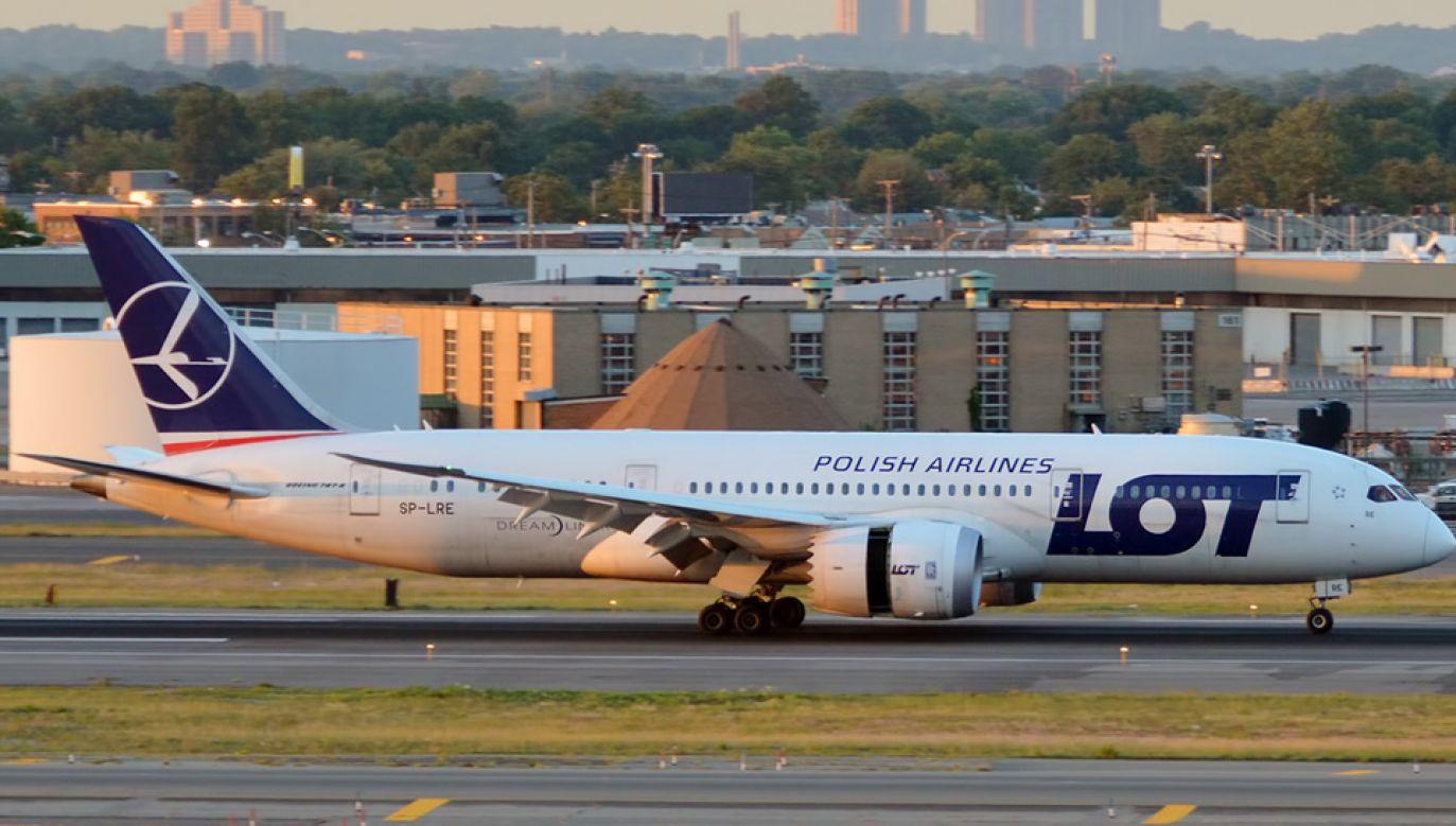 Boeing 787 dreamliner miał awarię silnika (fot. Wiki/Anna Zvereva)