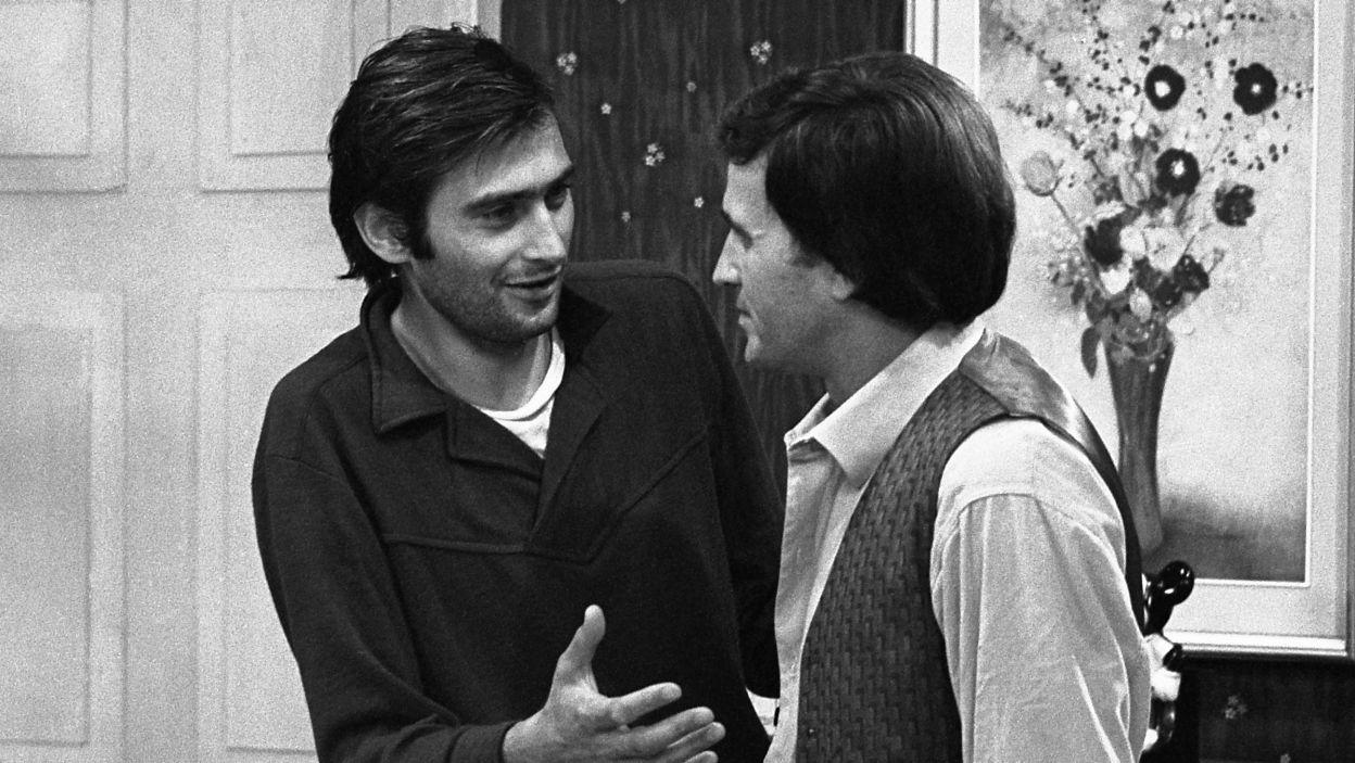 """Z Janem Nowickim w sztuce """"Kapelusz pełen deszczu"""" (1975) , reż. Tomasz Zygadło (fot. TVP)"""
