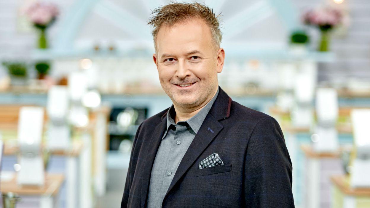 Szef kuchni ,Michał Bryś, na co dzień odpowiada za jakość dań serwowanych w restauracji. Czy nie będzie zbyt surowy dla uczestników? (fot. TVP)