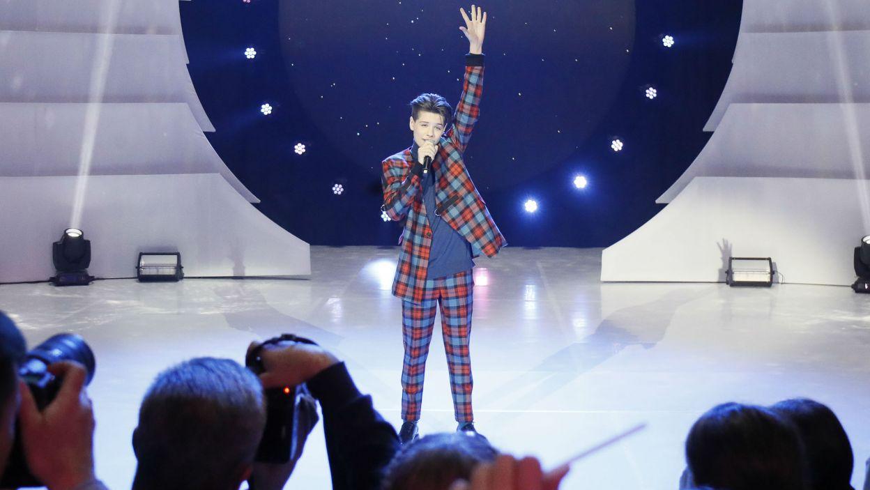 Gospodarz Eurowizji Junior na scenie czuje się jak w swoim żywiole  (fot. Andres Putting/Eurovision)