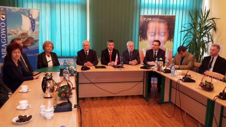 W Mrągowie podpisano umowę dotyczącą projektu zagospodarowania odpadów komunalnych w Olsztynie.