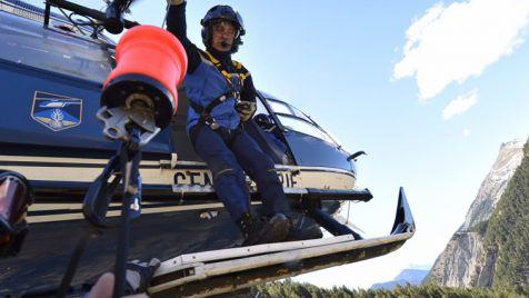 W Alpach wciąż trwają poszukiwania ciał ofiar i szczątków maszyny (fot. EPA/FRANCIS PELLIER/DICOM/MINISTERE INTERIEUR)