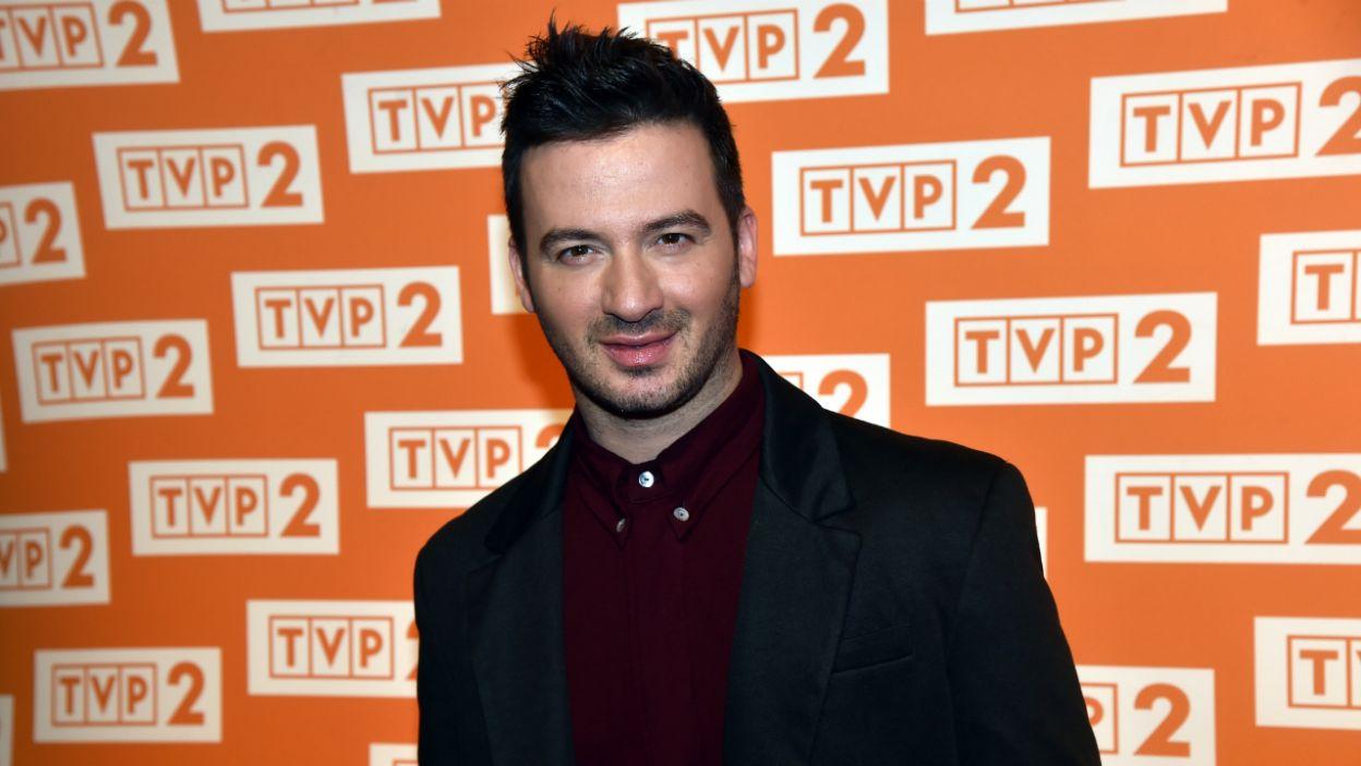 Stefano Terrazino wcieli się w rolę wodzireja i nauczyciela tańca  (fot. Ireneusz Sobieszczuk)