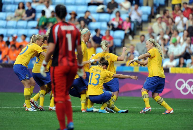 Szwedki nie dały szans reprezentacji RPA (fot. PAP/EPA)
