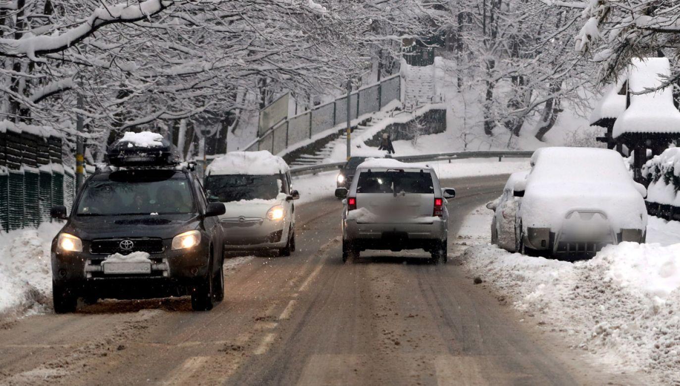 Na drogach będzie ślisko (fot. PAP/Grzegorz Momot)