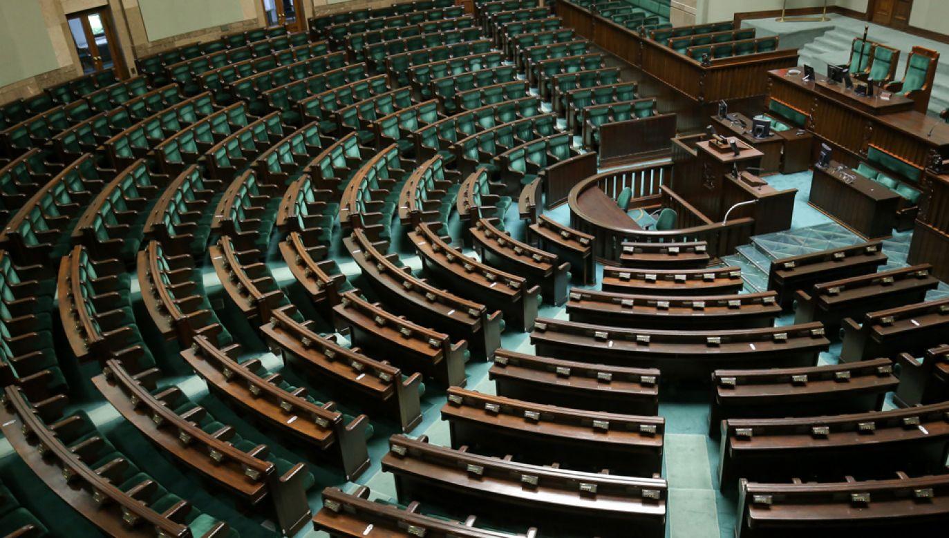 Autorzy raportu zwracają uwagę na przepływ potencjalnych wyborców lewicy (fot. arch. PAP)