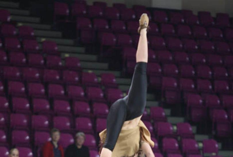 Widzowie podziwiali niesamowite akrobacje (fot. cavaliada-warszawa.pl)