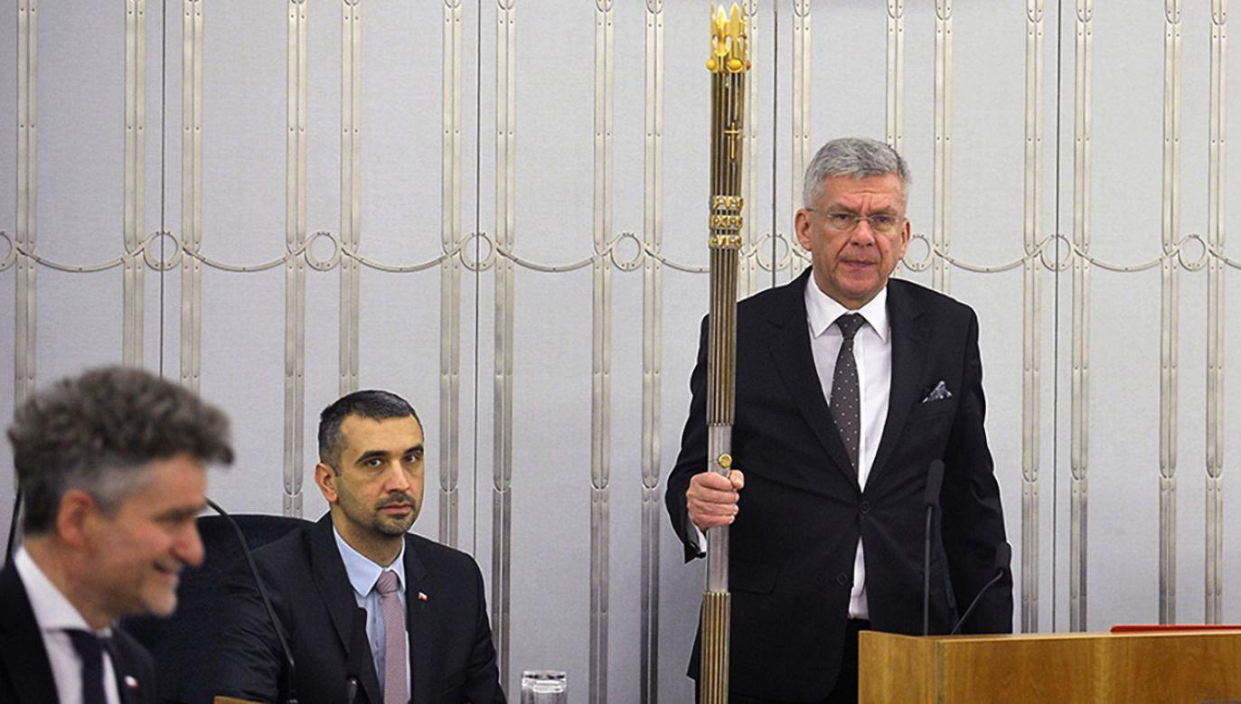 Marszałek Senatu Stanisław Karczewski podczas posiedzenia Senatu (fot. PAP/Marcin Obara)