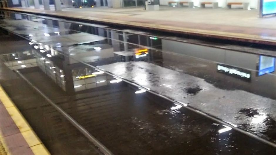 Przystanek tramwajowy pod Rondem Kaponiera w Poznaniu