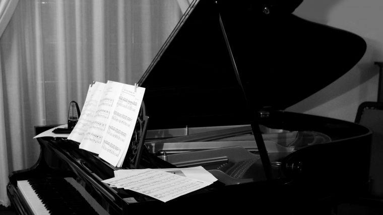 Kto ma czas na zgłębianie muzyki klasycznej? Wojtek Drewniak przygotował  cykl, w którym będzie podpowiadał od czego zacząć.