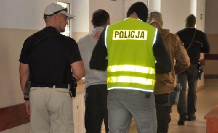 Policja nie dowiozła z aresztu Asłana A. z uwagi na duże prawdopodobieństwo odbicia go z konwoju.