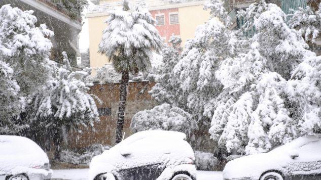 Nad Włochy nadciągnął syberyjski front powietrza o nazwie buran (fot. PAP/EPA/LUCIANO DEL CASTILLO)