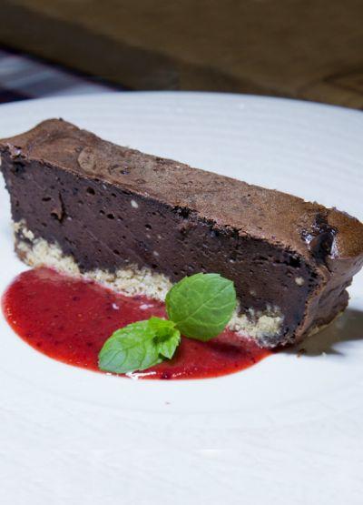 Sernik czekoladowy na spodzie z płatków owsianych