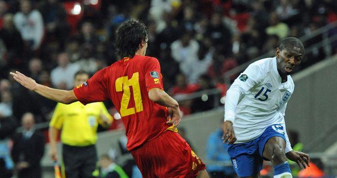 Shaun Wright-Phillips ani jego koledzy nie potrafili pokonać bramkarza Czarnogóry (fot.PAP/EPA)