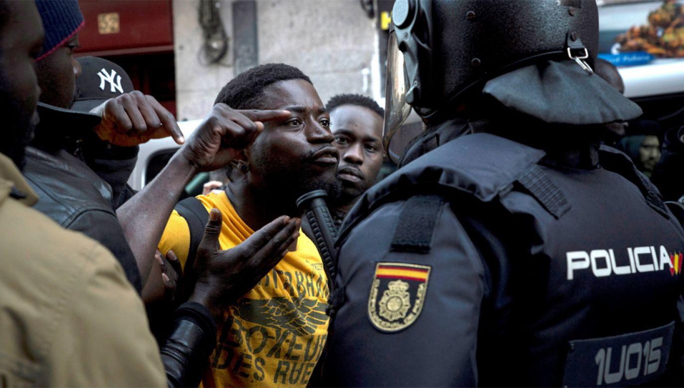 Od początku roku do Hiszpanii przedostało się nielegalnie ok. 4 tys. osób (fot. PAP/EPA/LUCA PIERGIOVANNI)