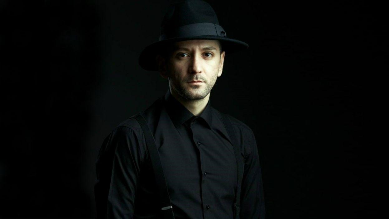 """Albania: Eugent Bushpepa śpiewa od szóstego roku życia, a muzyka jest jego religią. W Lizbonie wykona utwór """"Mall"""", który sam skomponował (fot. Eurovision.tv)"""