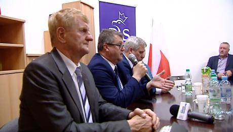 Politycy PiS w podróży po Polsce. Spotkali się z mieszkańcami Szczytna