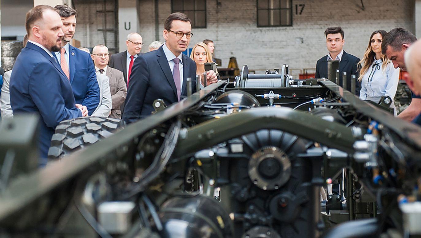 Premier Mateusz Morawiecki zwiedził fabrykę Jelcz–Laskowice (fot. fLICKR/KRPM)
