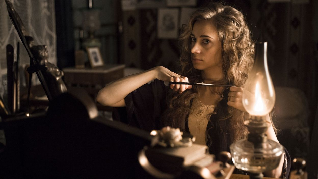 Część poruszonych w serialu wątków zainspirowana została pamiętnikami Polek (fot. TVP)