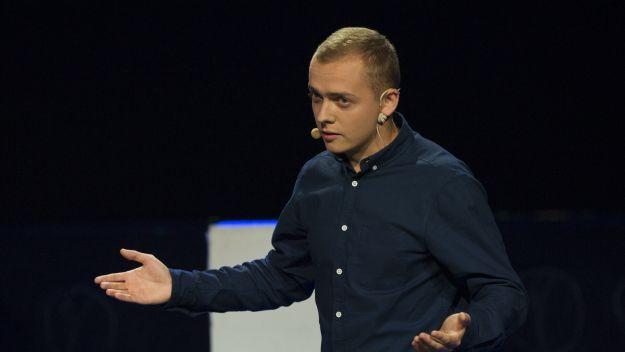 Galę poprowadził Konrad Graczyk z zespołu Teatr Piątka, jednego z Laureatów Przeglądu, fot. TVP
