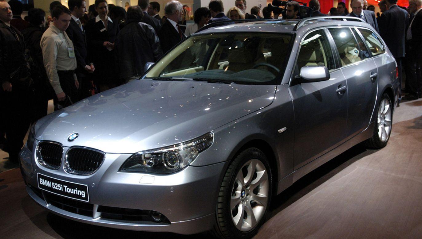 BMW seria 5 na targach samochodowych w Genewie (fot. REUTERS/Denis Balibouse)