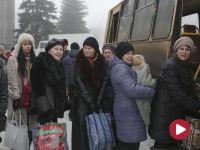 """Donbas żyje w huku dział. """"Zaczynają strzelać między 8 a 12. Potem robią sobie przerwę"""""""
