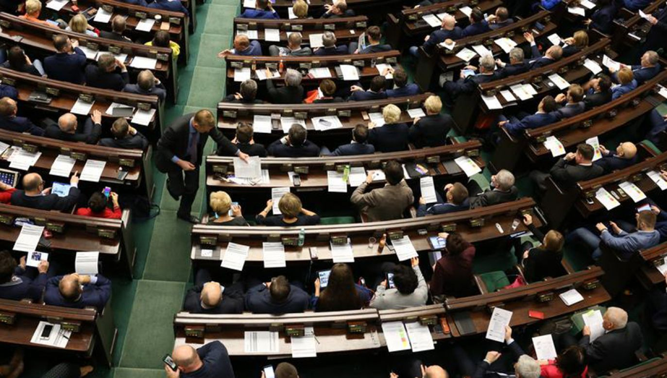 Gdyby wybory odbyły się w najbliższą niedzielę, w Sejmie znalazłoby się aż siedem ugrupowań (fot. Sejm RP)