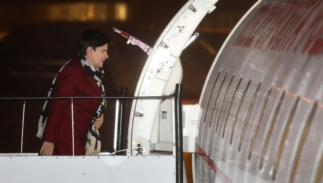 Premier Beata Szydło na warszawskim lotnisku przed wylotem do Paryża (fot. PAP/Paweł Supernak)