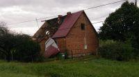 Zerwany dach na domu w Bożejewiczkach (fot. Iwona Jaworska)