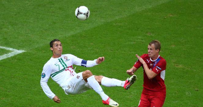 Cristiano Ronaldo próbował zdobyć bramkę z przewrotki (fot. Getty Images)