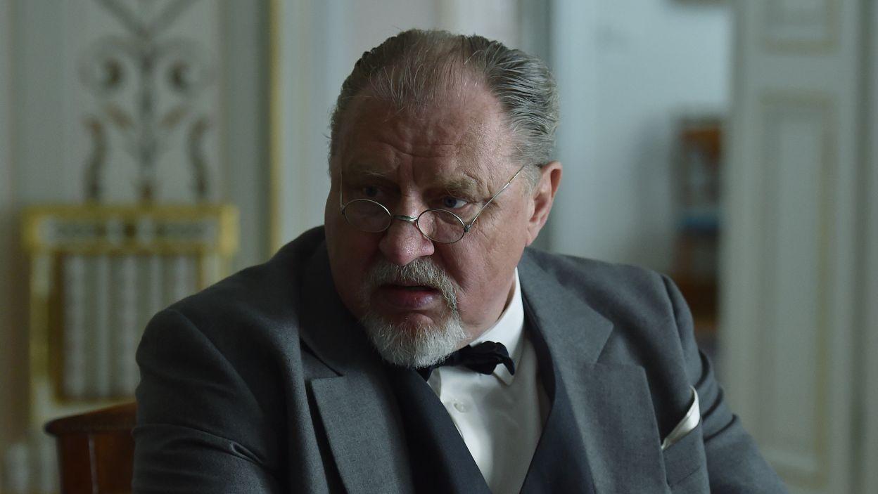 Andrzej Grabowski zagrał rolę byłego premiera Aleksandra Prystora (fot. Ireneusz Sobieszczuk/TVP)