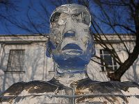 Festiwal rzeźby lodowej w Poznaniu. W sobotę liczyła się szybkość