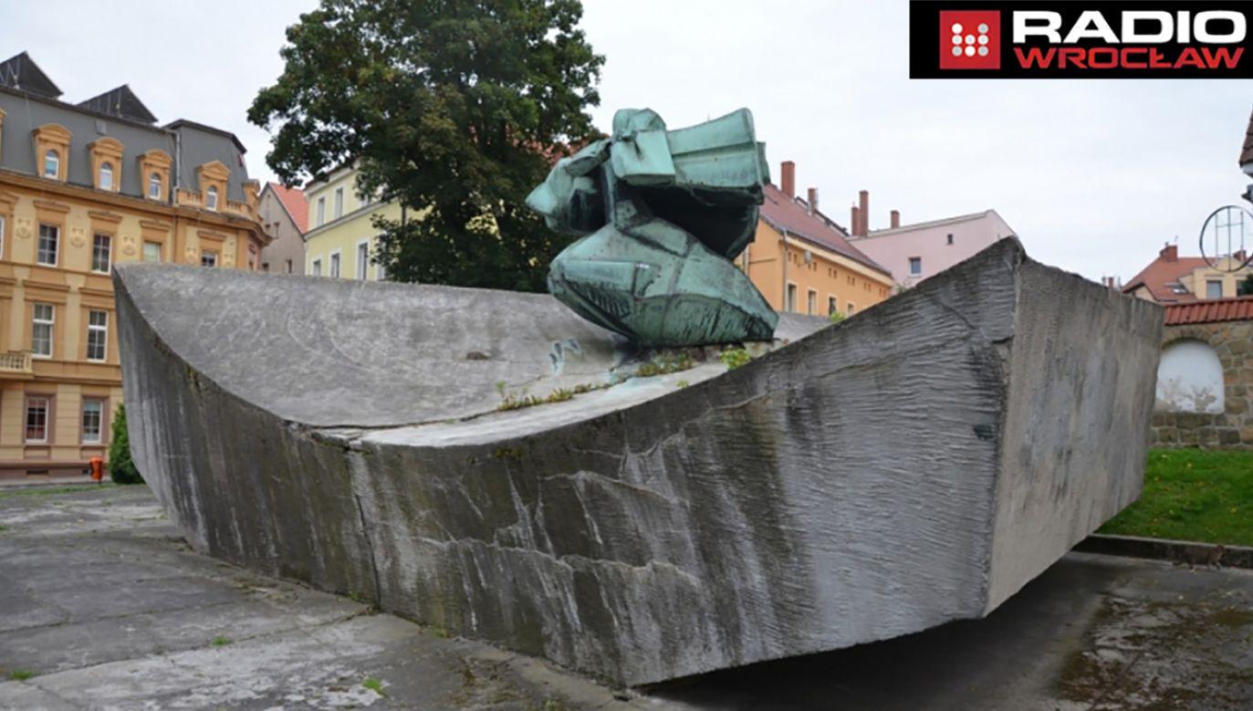 Pomnik gen. Świerczewskiego w Złotoryi (fot. Gazeta Złotoryjska)