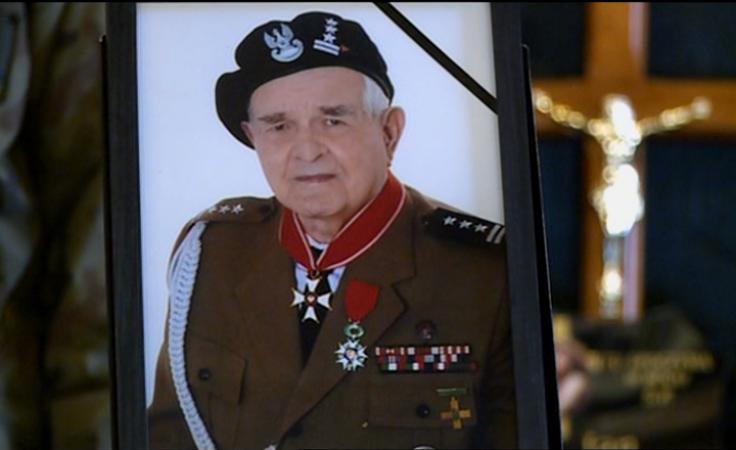 """Żołnierz wyklęty """"Ryś"""" pochowany z wojskową asystą honorową"""
