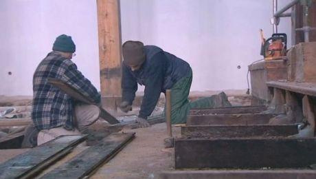 Rok po pożarze, świątynia powstaje z gruzów
