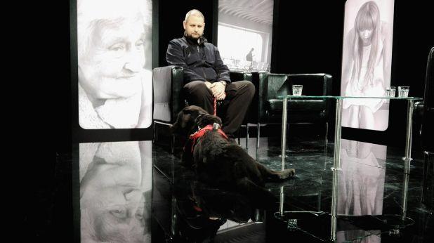 Przewodnik psa tropiącego Paweł Futiakiewicz w studio