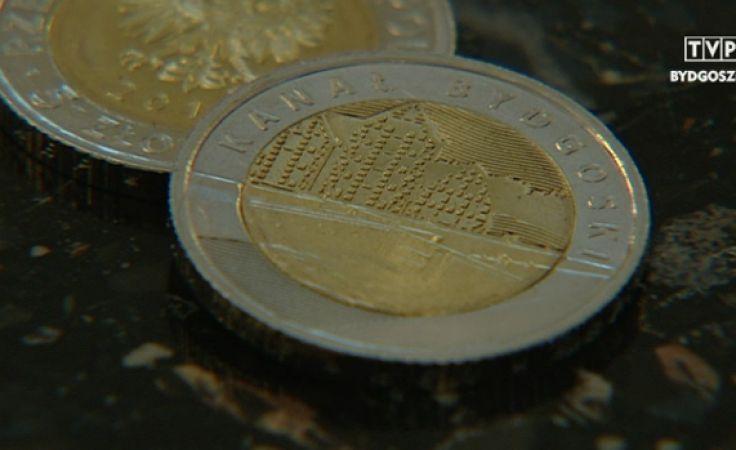 Pierwsza bydgoska pięciozłotówka trafiła do setek portfeli